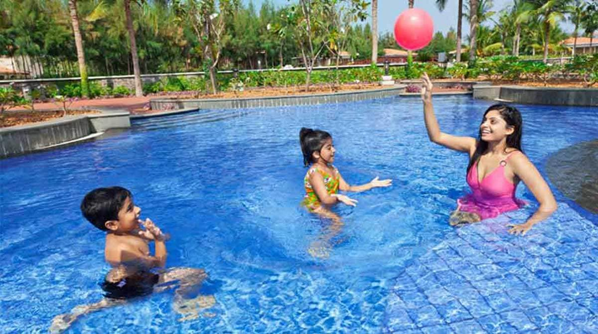Luxury villas in pondicherry tahiti villas ocean spray beach resorts in pondicherry for Beach resort in chennai with swimming pool